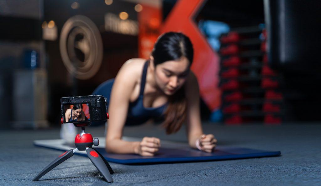 品牌官網結合社群行銷:拍攝健身教學影片